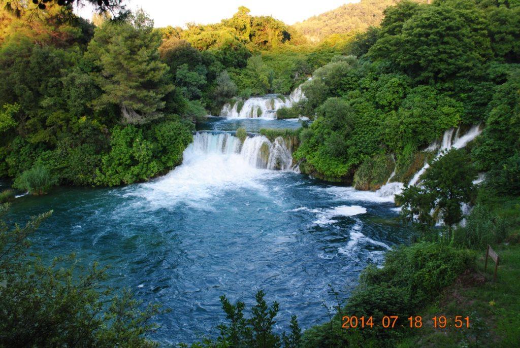 Река Крка с водопадами
